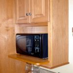 Tips for Choosing Wood Stain Colors on Cabinets