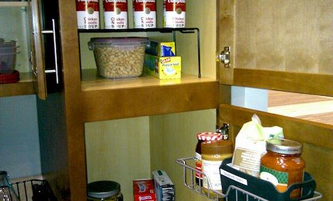 Pantry Cabinet Organizers, Organize that Pantry Cabinet