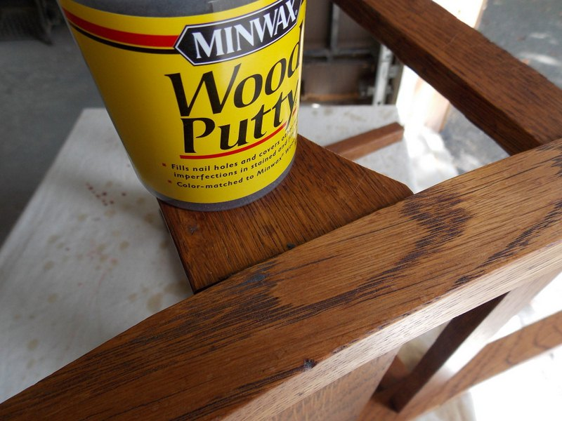 How to Stain Wood Putty to Match