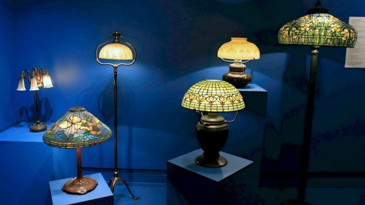 All About Tiffany Lamp Choosing And Decorating With Tiffany Lamps