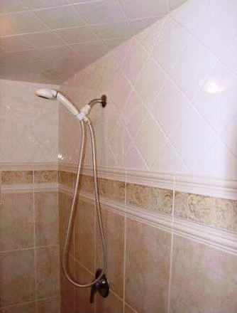 A Wall Tile Installation - Tiling around Tub