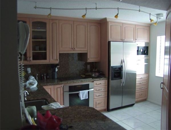 Cabinets with Crown Moulding - How to install crown molding on kitchen cabinets