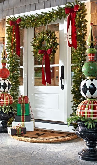 Christmas Gifts Theme - Front Porch Christmas Decorating Ideas