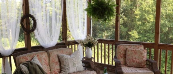 Liven Up Your Screened-In Porch or Deck with Summer Style