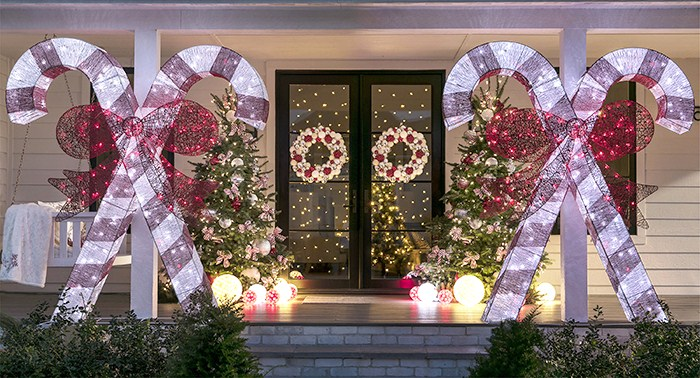 Christmas Candy Cane Decor for Front Porches - Front Porch Christmas Decorating Ideas