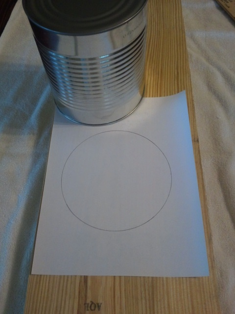 Traced Out the Outline of the Can On a Piece of Paper - DIY Farm Bench Plans