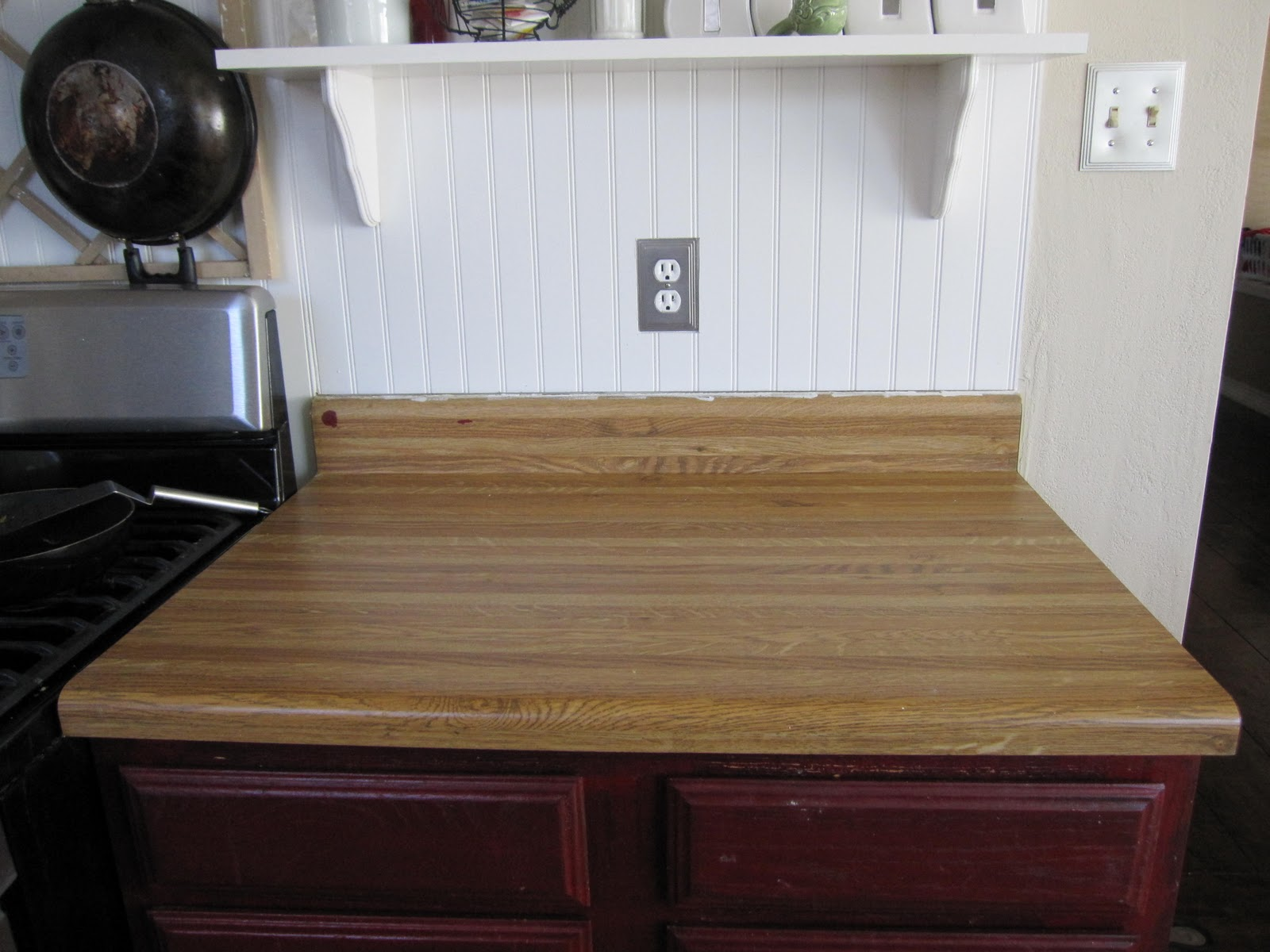 (Before) DIY Faux Butcher Block Countertops: How to Make Faux Butcher Block Countertops