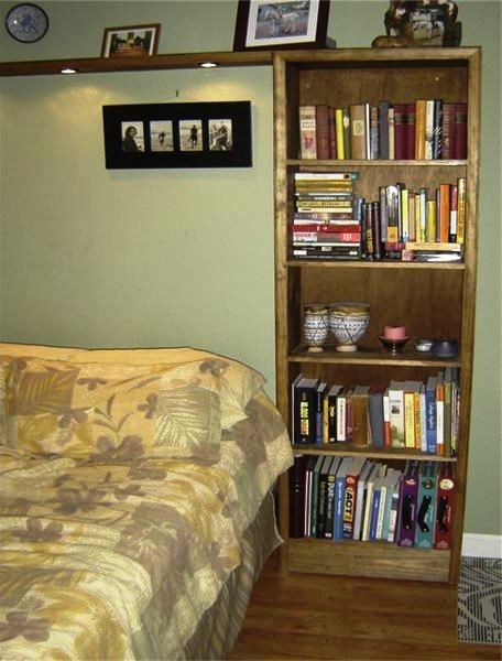 A Simple DIY Bookshelf