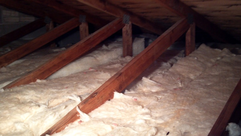 Attic Insulation Using Fiberglass Insulation