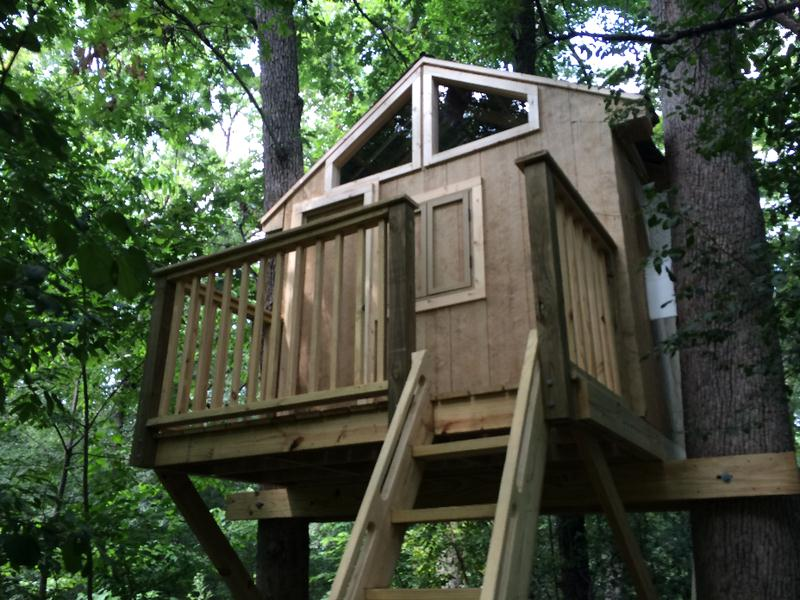 DIY Cabin Style Tree House
