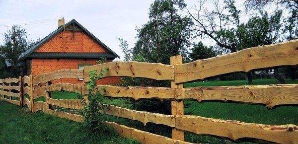 Advice on Fence Building, with 14++ DIY Fencing Ideas to Build Yourself