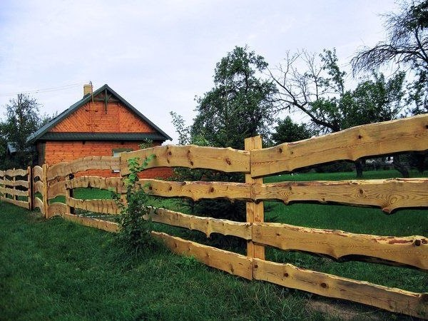 DIY Fencing: Fence Building Tips for Homeowners