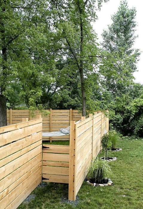"DIY ""Unique"" Wooden Backyard Fence"