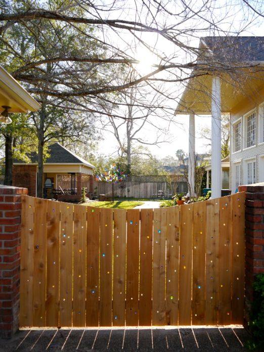 The Easy DIY Garden Glove Fences