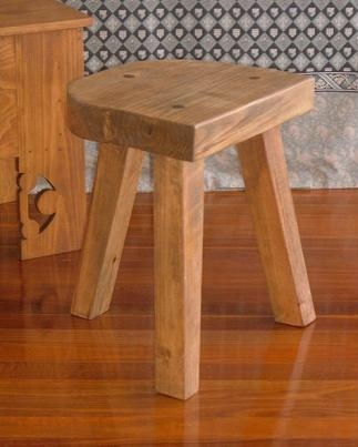 Easy to Make Log Furniture: 3 Legged Log Stool
