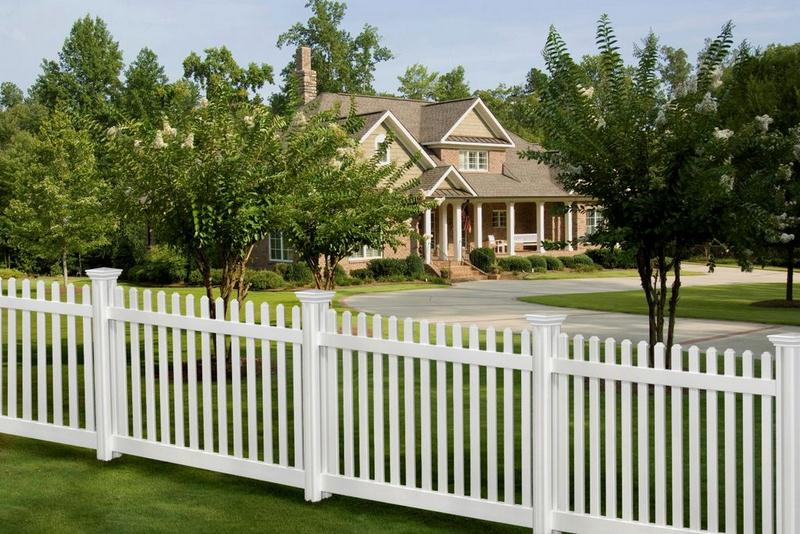 Vinyl Fence - Are Wood Fences Cheaper Than Vinyl? How to Choose, Cost and Maintenance