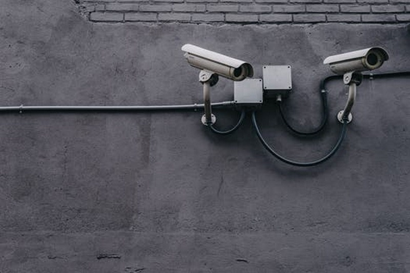 Install CCTV Cameras - How to Ensure 100% Security at Homes