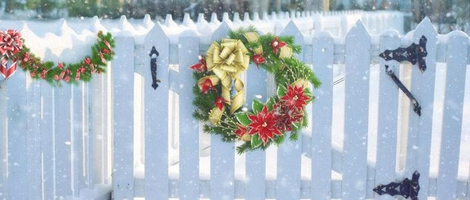 Classic Outdoor Christmas Decor Lasts Past the Holidays