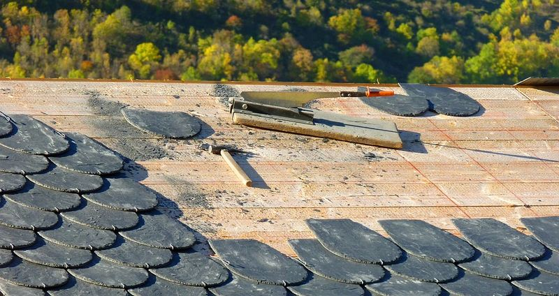 Different Tools Which Roof Repair Contractors Should Possess