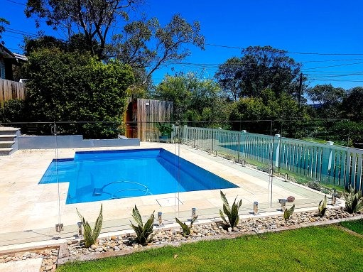 Why is Pool Glass Fencing Sydney Not as Easy as it Seems