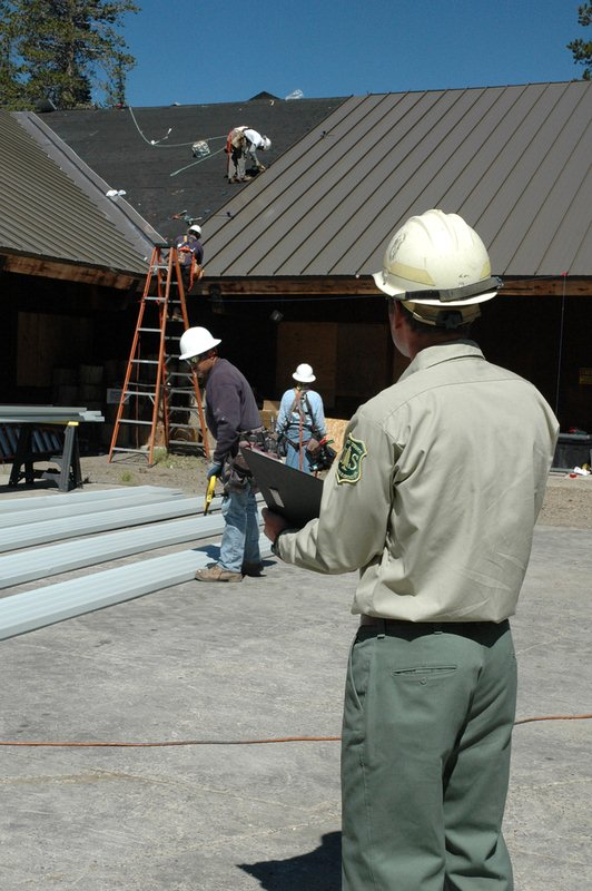 Professional Roofing Contractors and How to Choose Them