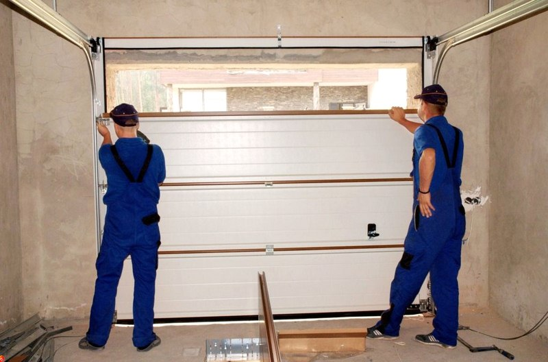 7 Signs You Need to Hire a Garage Door Company in Charlotte