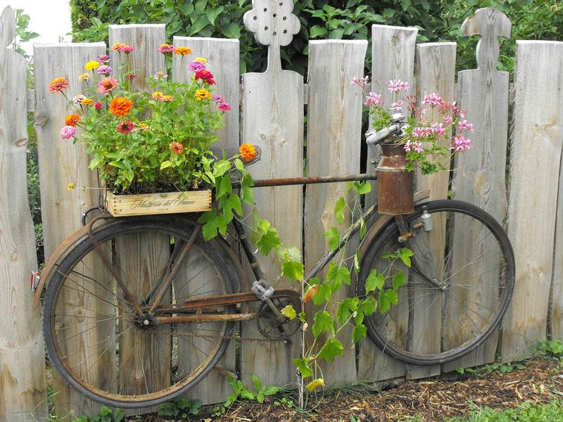 11 Landscaping and Gardening Hacks That Are Going to Change Your Life Forever