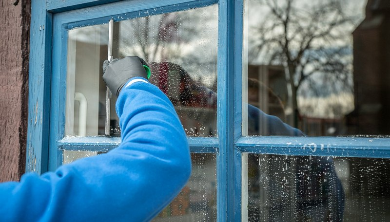 Window Cleaning Hacks – How You Can do the Job Easily