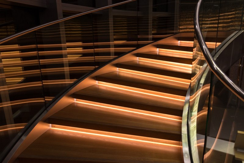 Multiple Types of Glass Railing Systems and Their Benefits