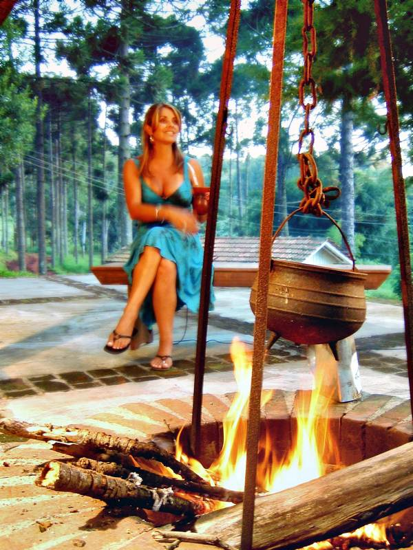 A Firepit can mimic a campfire
