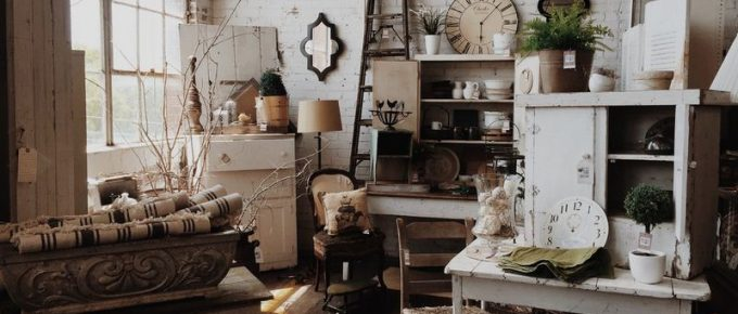 A Little Touch of History in Home Decor: Using Vintage Furniture, Fabrics and Accessories in Home Decorating