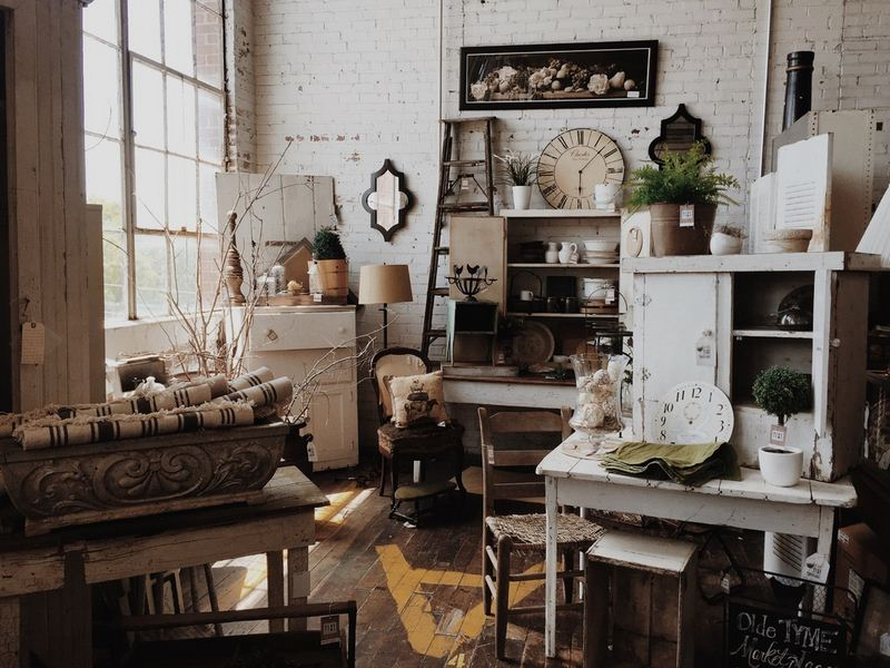 A Little Touch of History in Home Decor - Using Vintage Furniture, Fabrics and Accessories in Home Decorating