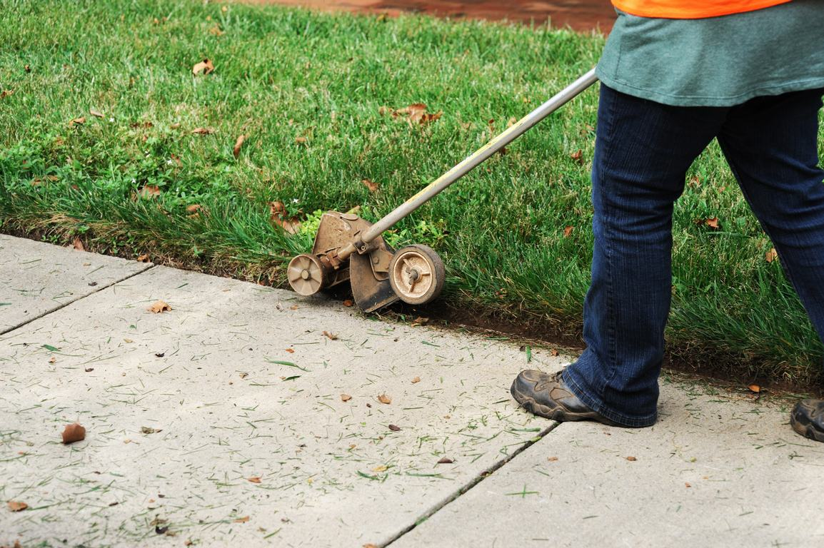 image - 3 Benefits of Keeping Your Lawn Edges Trimmed