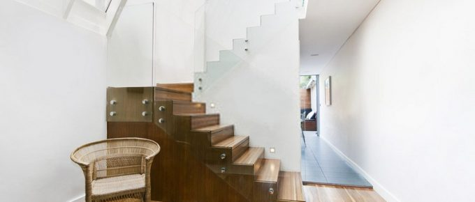 A Step By Step Process of Glass Railing Installation for Your Home