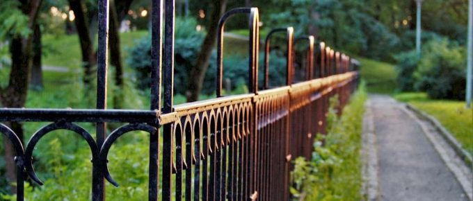 How to Choose the Right Type of Fence for Your House?