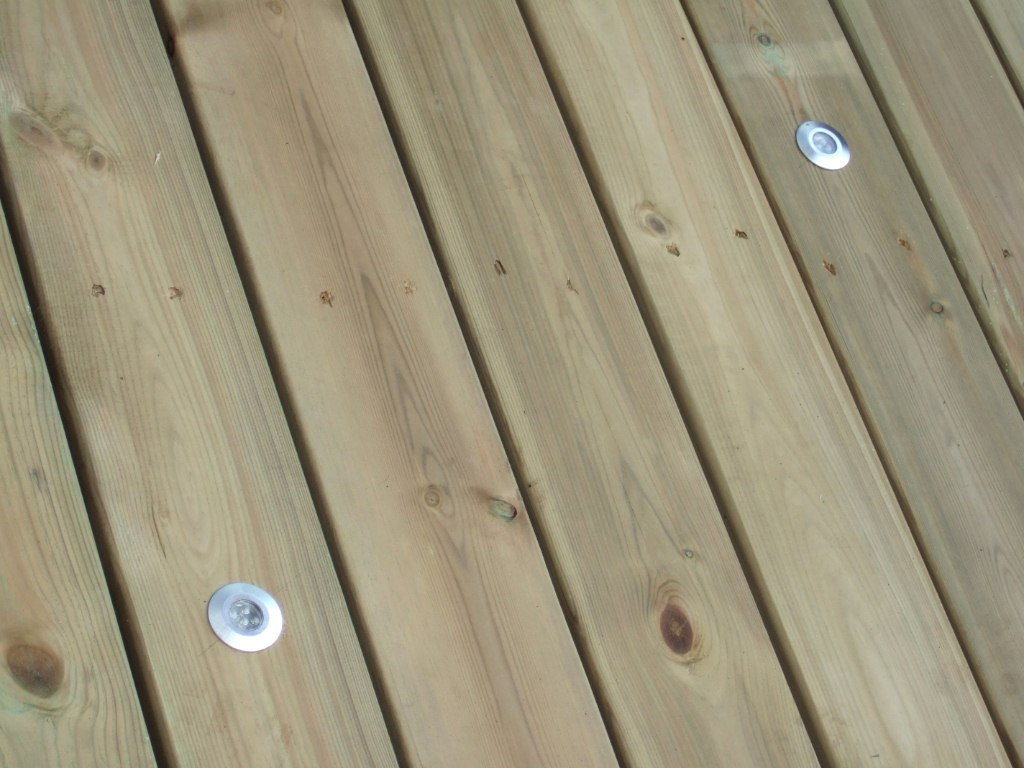 image - Benefits of Hardwood Over Softwood Decking