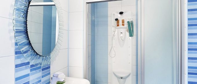 Tips to Maintain Glass Shower Doors to Keep Them Clean