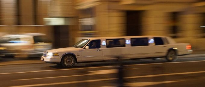 Reasons to Hire a Limo for Your Next Event