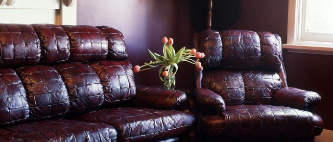 If You Have a Leather Lounge, Watch Out for These Common Risks