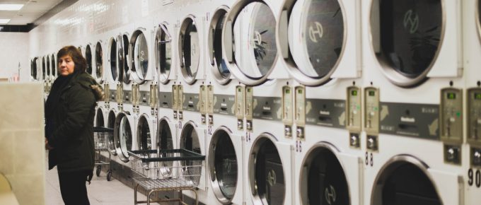 The Benefits of Using a Laundromat