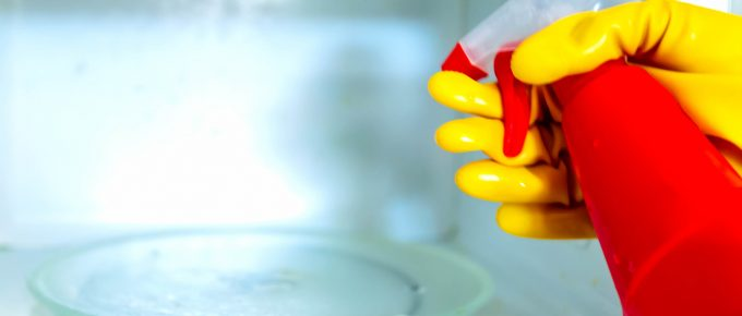 The Natural Solution to Clean Your Microwave Without Any Chemicals!