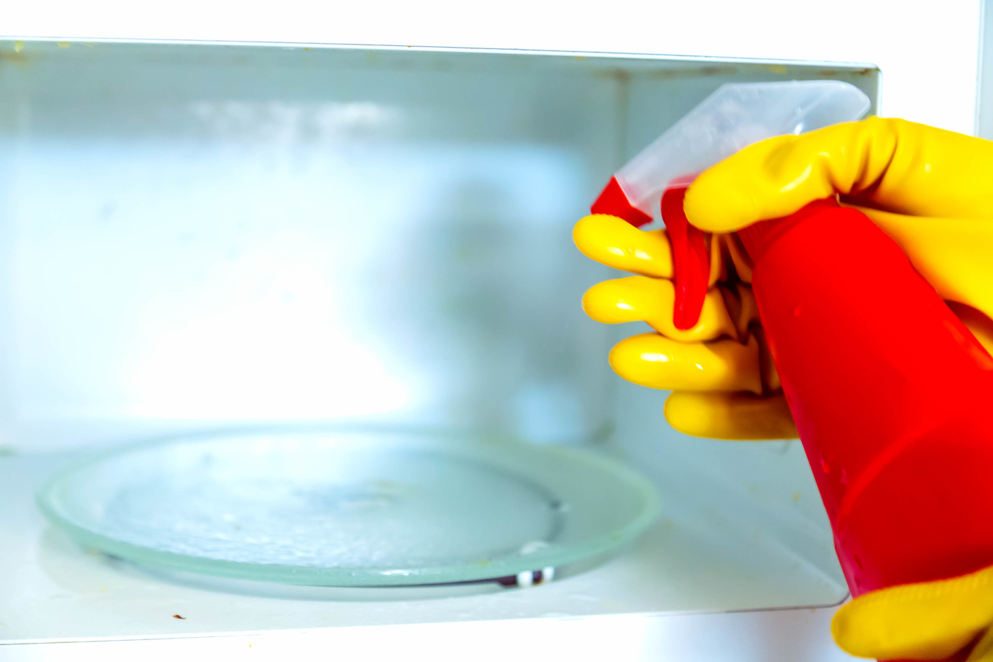 image - The Natural Solution to Clean Your Microwave Without Any Chemicals!