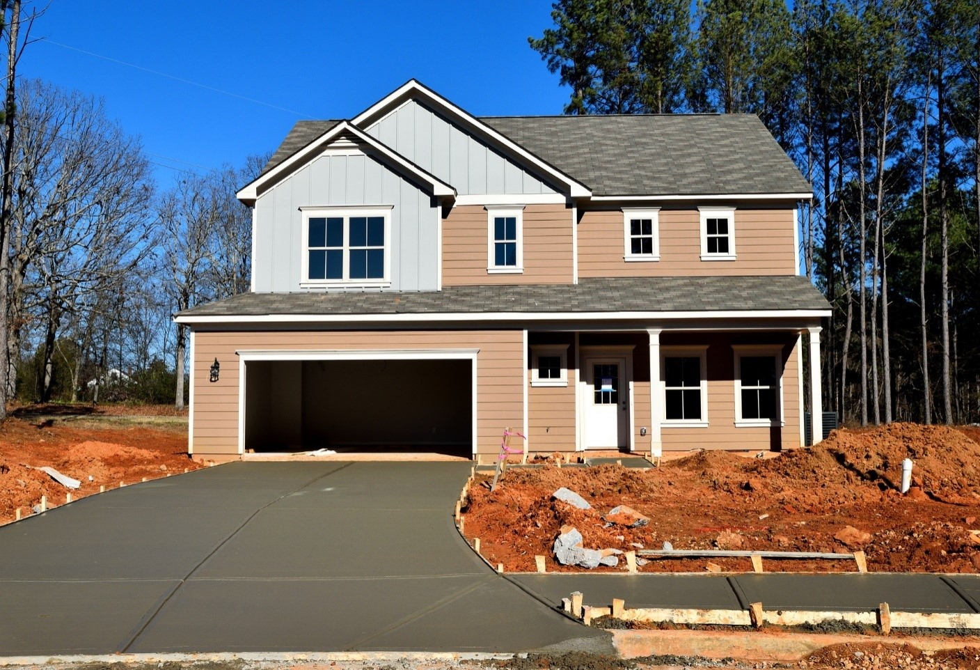 image - 9 Reasons Why You Should Hire Professionals for Garage Door Service