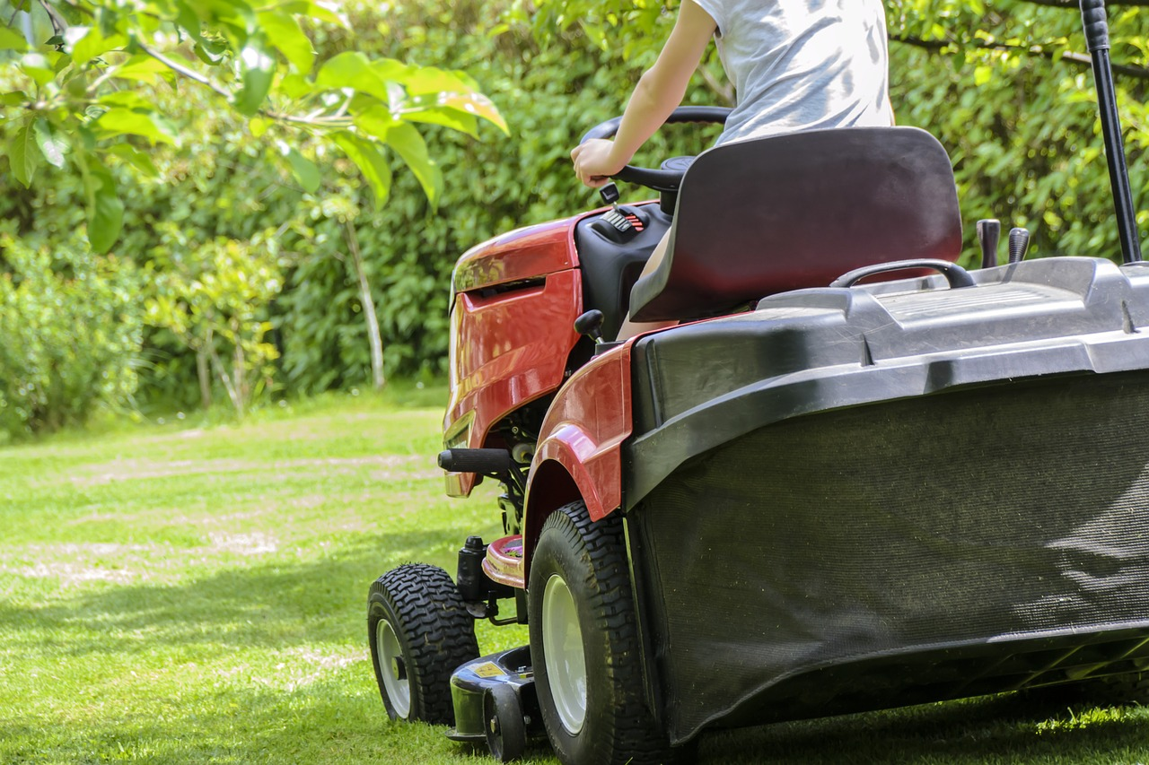 image - Factors to Consider When Hiring a Lawn Care Company