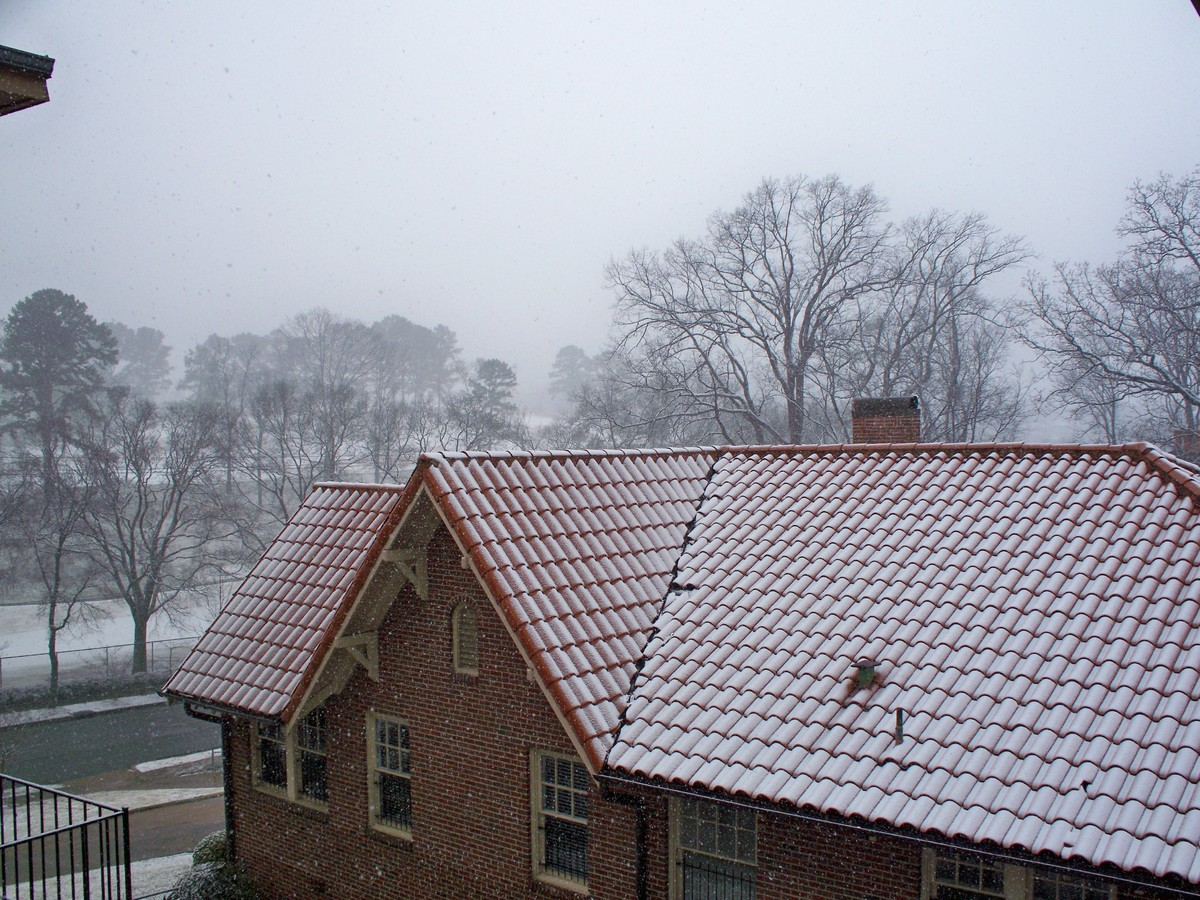 image - Signs You're Dealing With a Shady Roofing Company