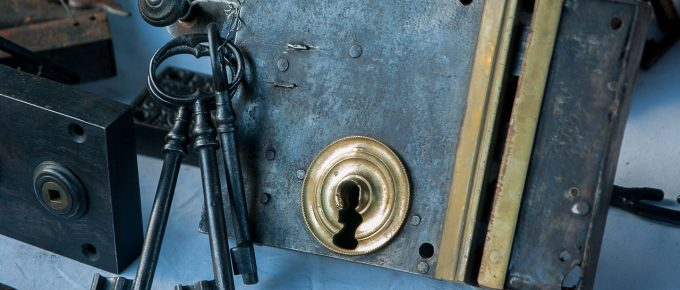 What to Consider Before Hiring a Locksmith