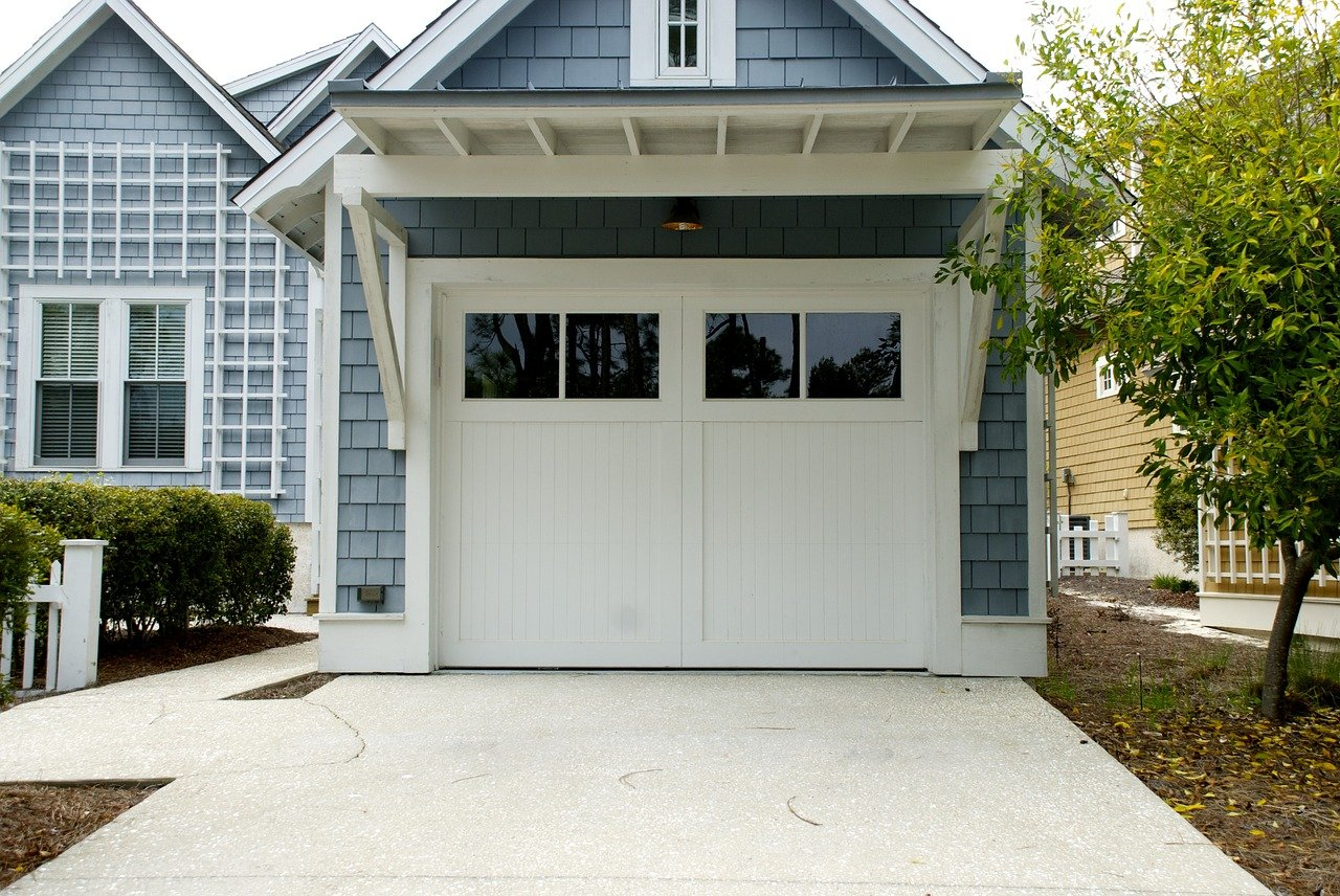 image - How to Seal a Garage Door from The Inside