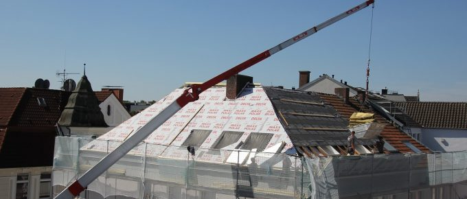 6 Reasons Why You Should Hire a Commercial Roofing Contractor