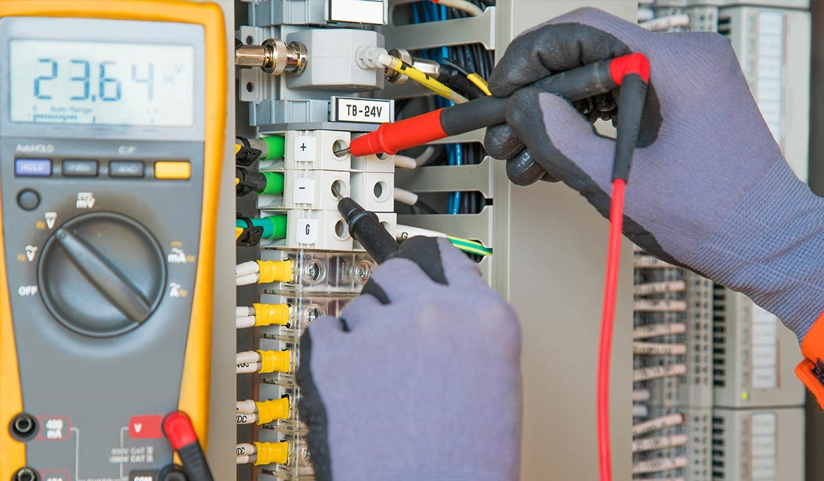 image - professional electrician