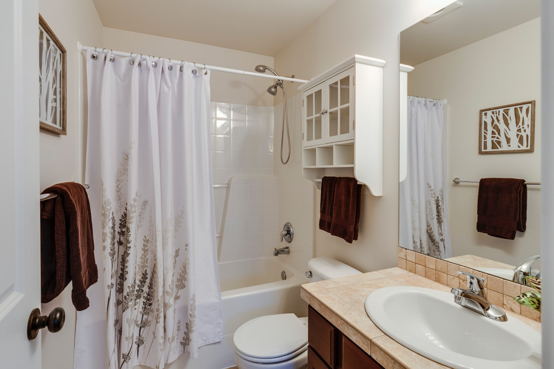 image - How to Make Your Old Springfield Bathroom Look Brand New